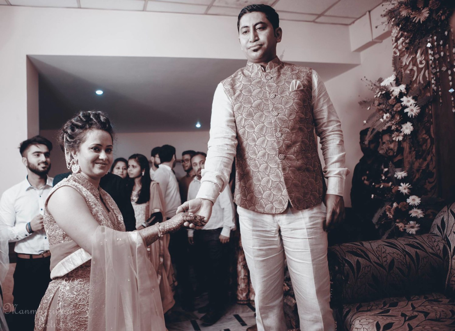 Welcoming her with love! by Manmarziyaan Pictures Wedding-photography | Weddings Photos & Ideas
