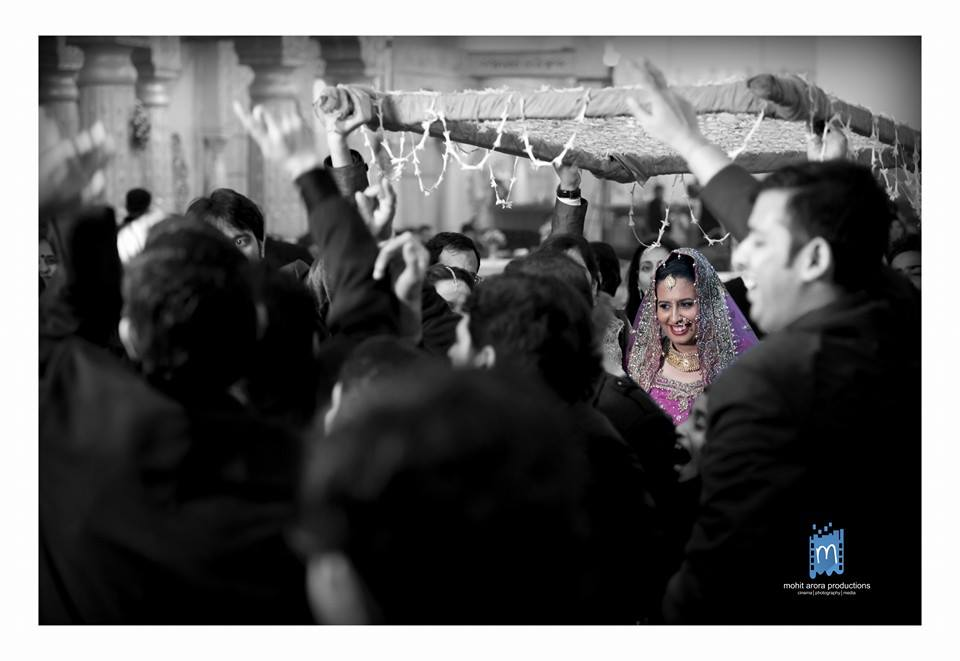 The arrival of the queen by Mohit Arora Productions Wedding-photography | Weddings Photos & Ideas