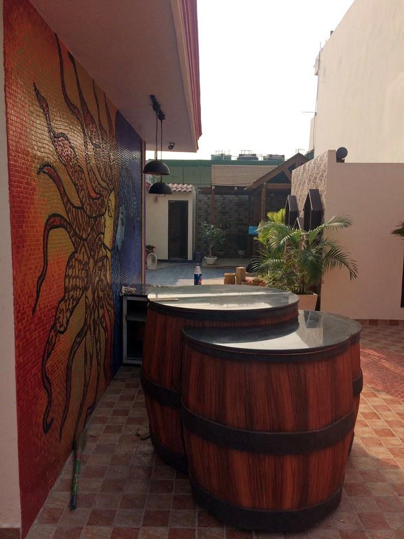 Rustic Cafe Entrance by Cafe Indica Interiors Contemporary   Interior Design Photos & Ideas
