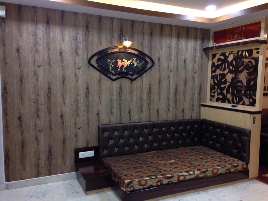 Retro style home by Raj Interiors