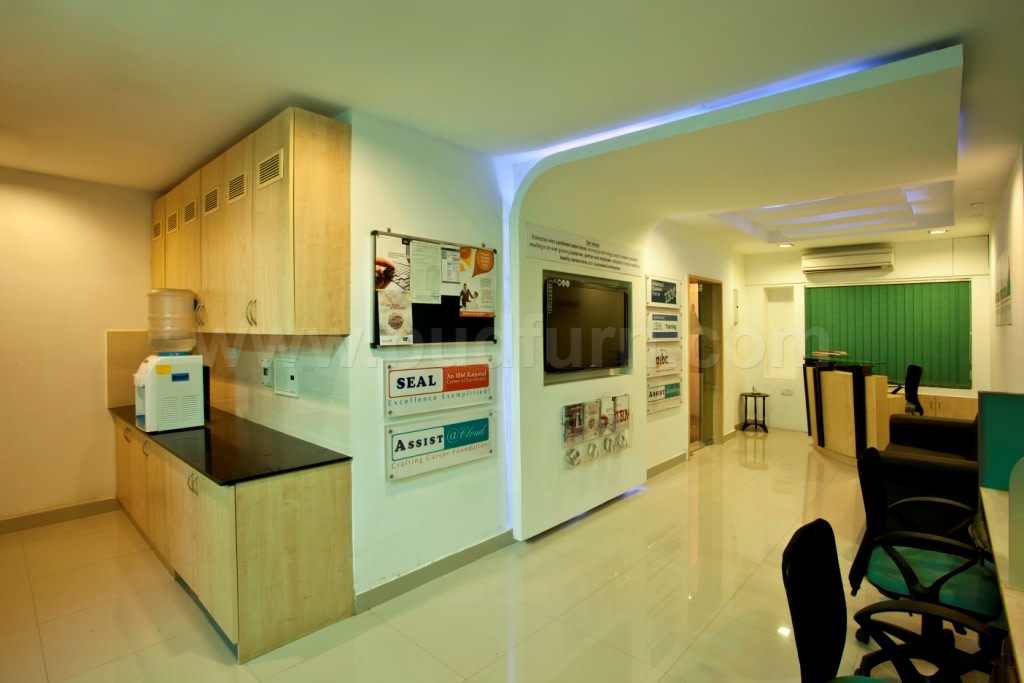 Modern office waiting area by Sunil Koliyot Modern | Interior Design Photos & Ideas