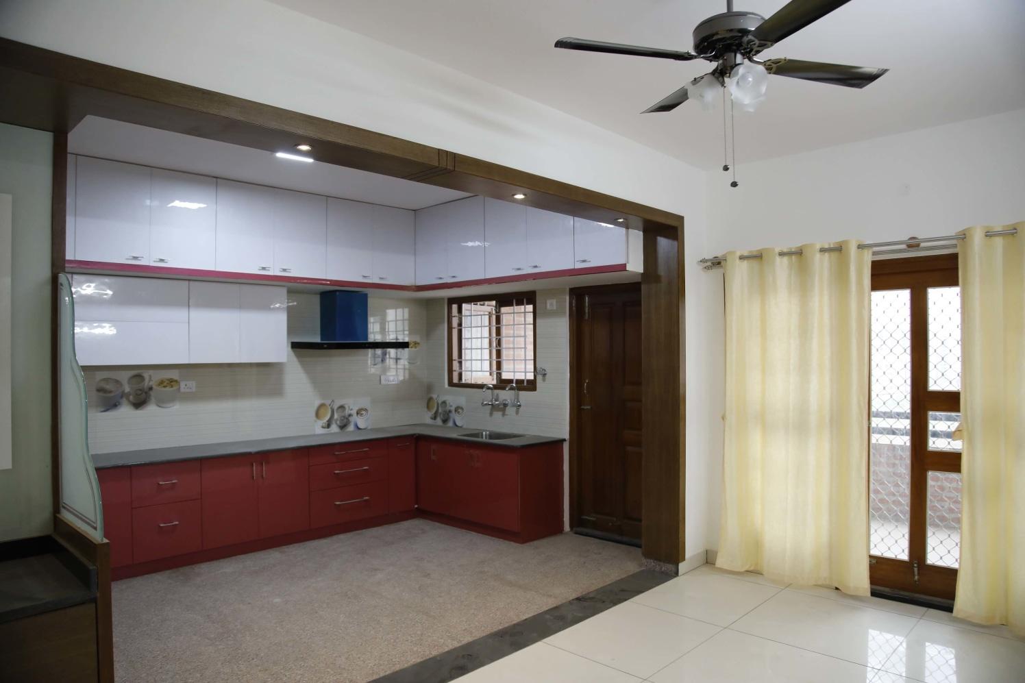 Pragmatic Designing by Naushad Modular-kitchen Modern | Interior Design Photos & Ideas
