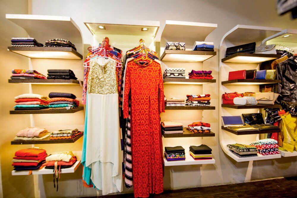 Floating Shelves by Trupti Ladda Modern   Interior Design Photos & Ideas