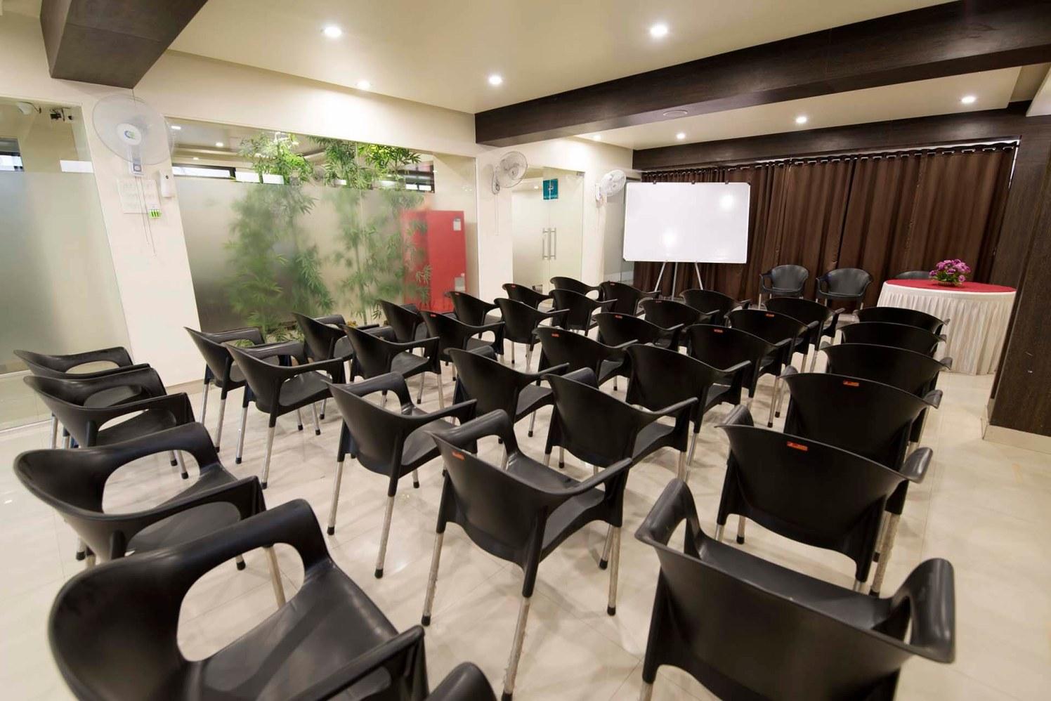 Traditional Setup by Trupti Ladda Contemporary | Interior Design Photos & Ideas