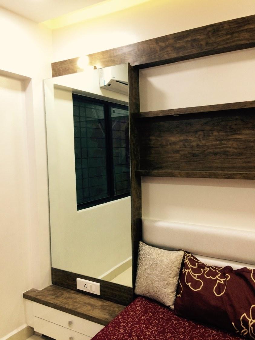 Contemporary Bedroom Dressing Mirror by Vaibhav Bhalekar Traditional Modern Contemporary | Interior Design Photos & Ideas