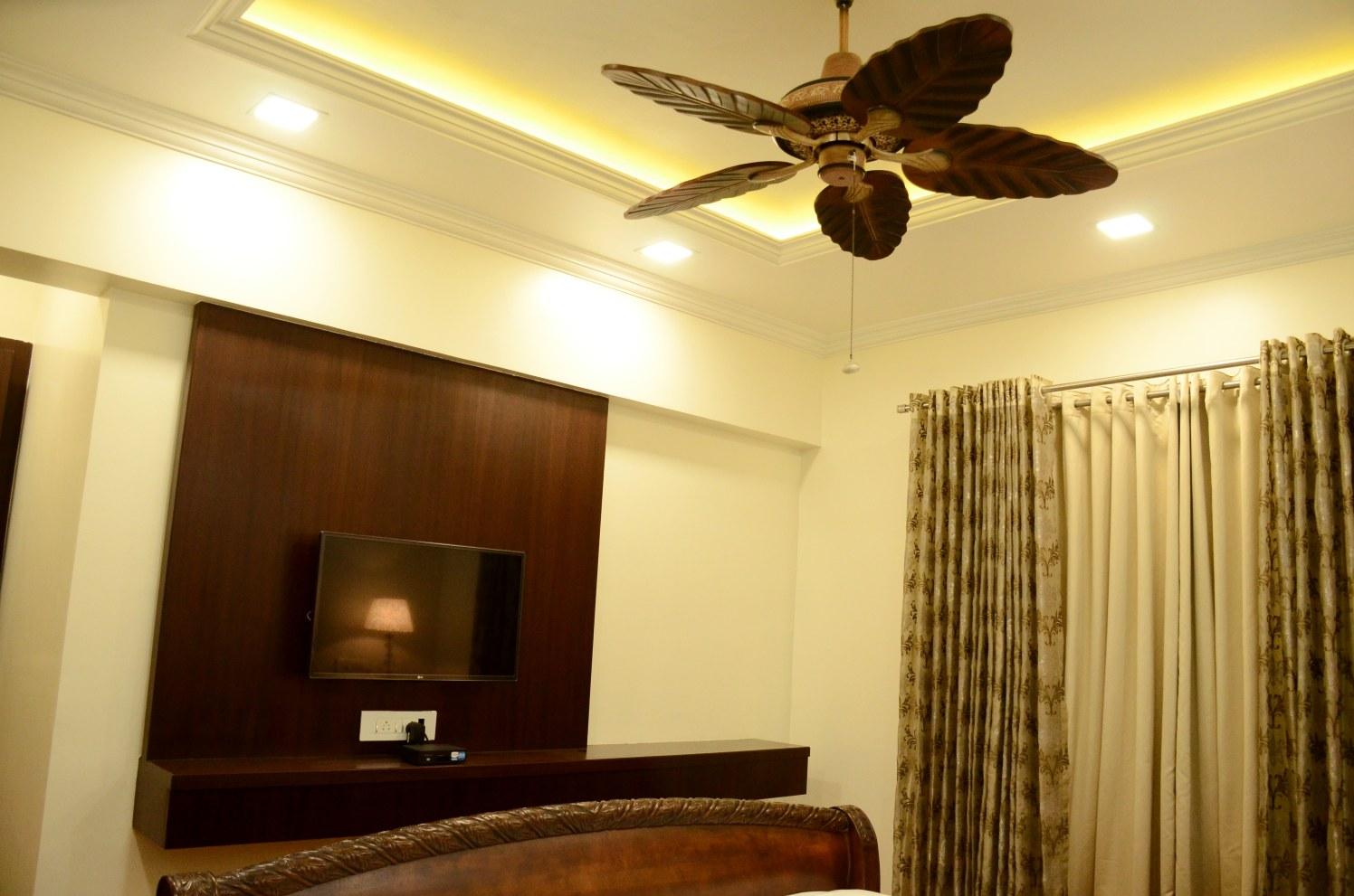 Modern Retro Bedroom by Deepak Jangda