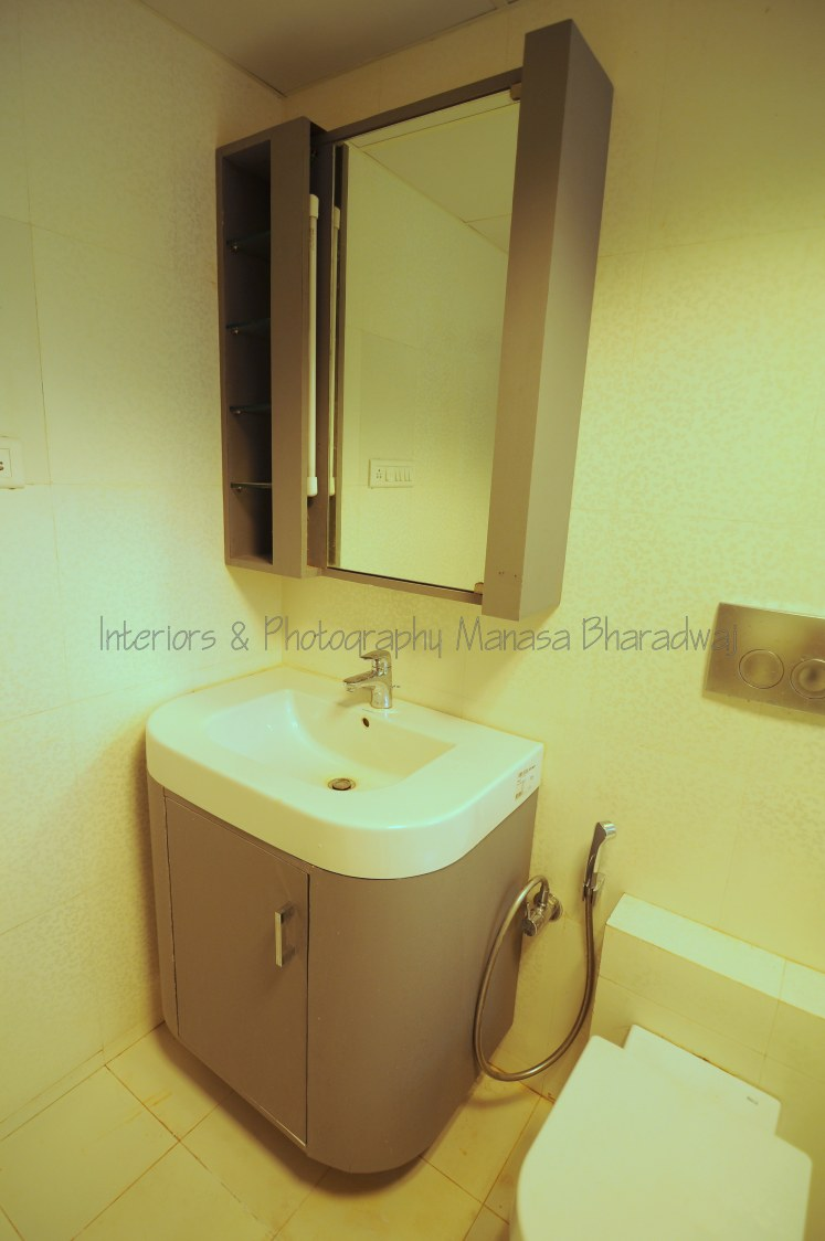 The Compact Zone by Manasa Bharadwaj Bathroom Modern | Interior Design Photos & Ideas