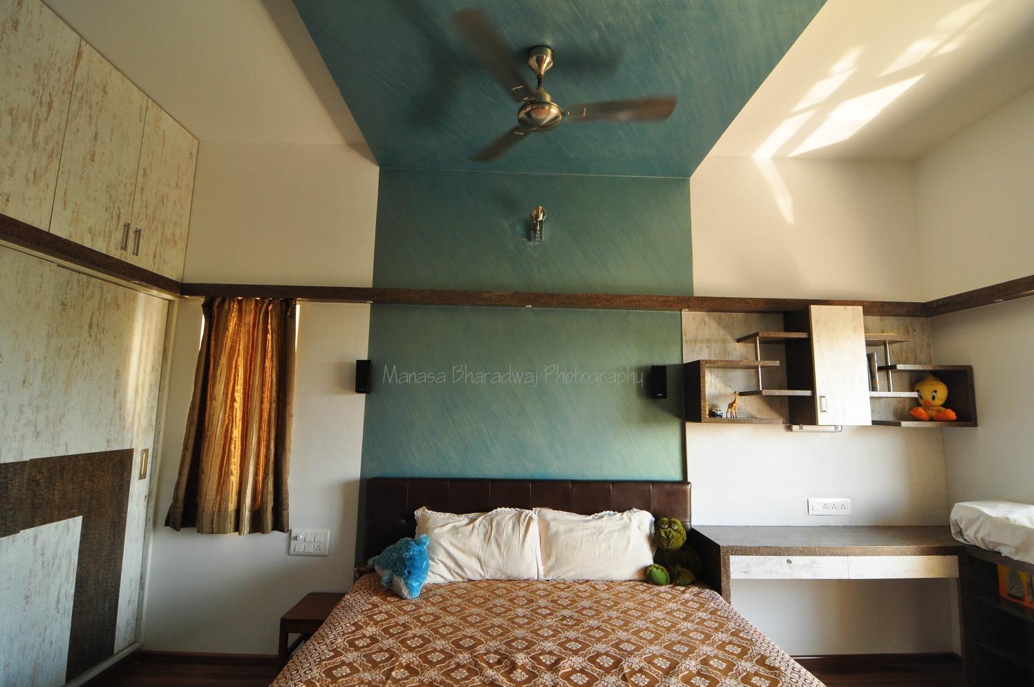Flirty Wall by Manasa Bharadwaj Contemporary | Interior Design Photos & Ideas