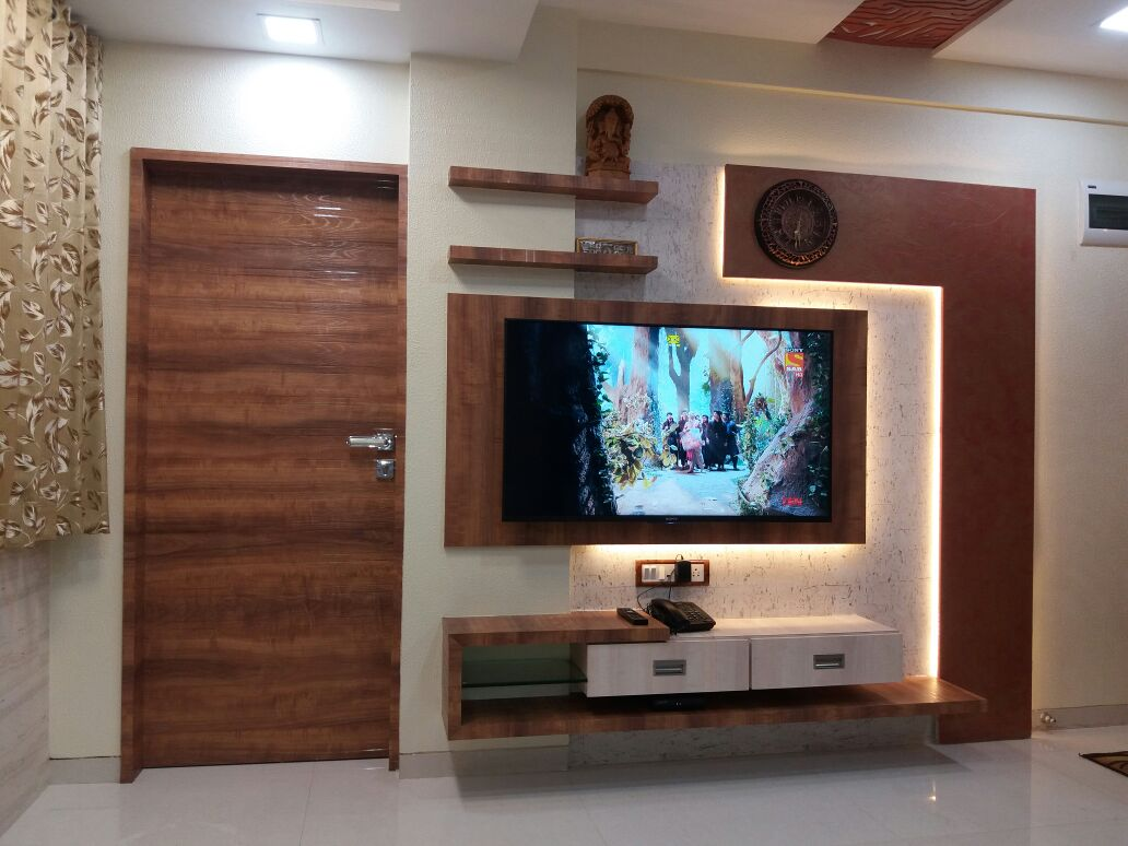 Tv with  traditional display unit by Nidhi Rathod Living-room Contemporary | Interior Design Photos & Ideas