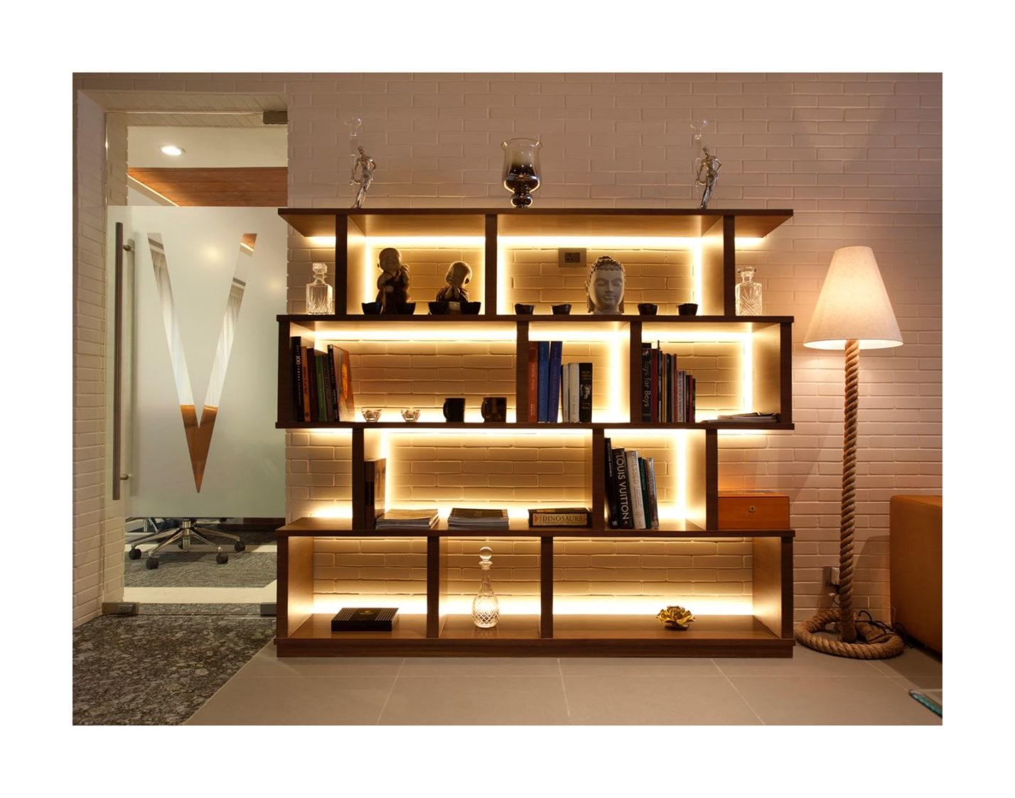 Contemporary Show Piece by Sushant Madan Contemporary | Interior Design Photos & Ideas