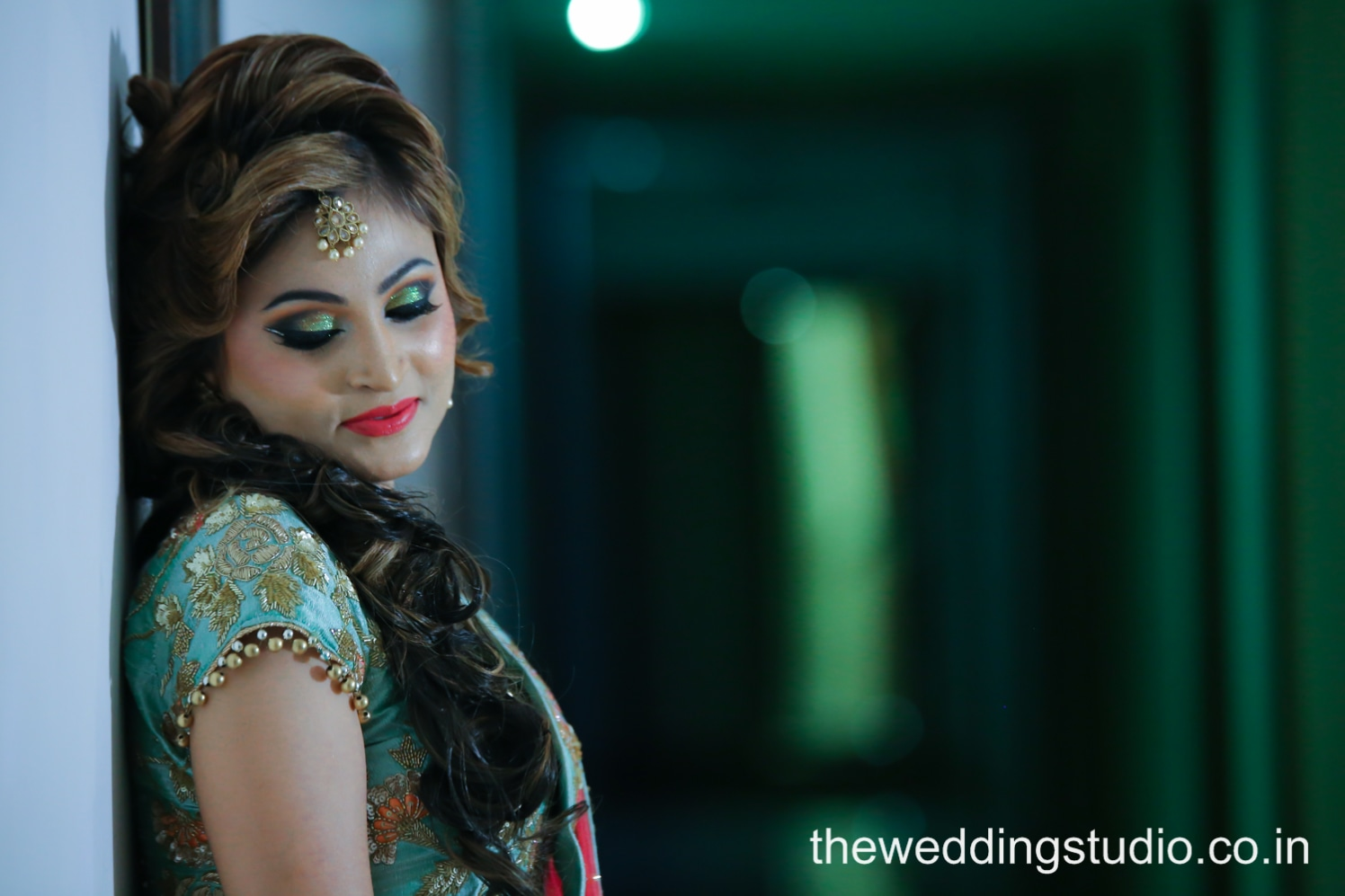 Smashing beauty by THE WEDDING STUDIO Wedding-photography Bridal-makeup Bridal-jewellery-and-accessories | Weddings Photos & Ideas