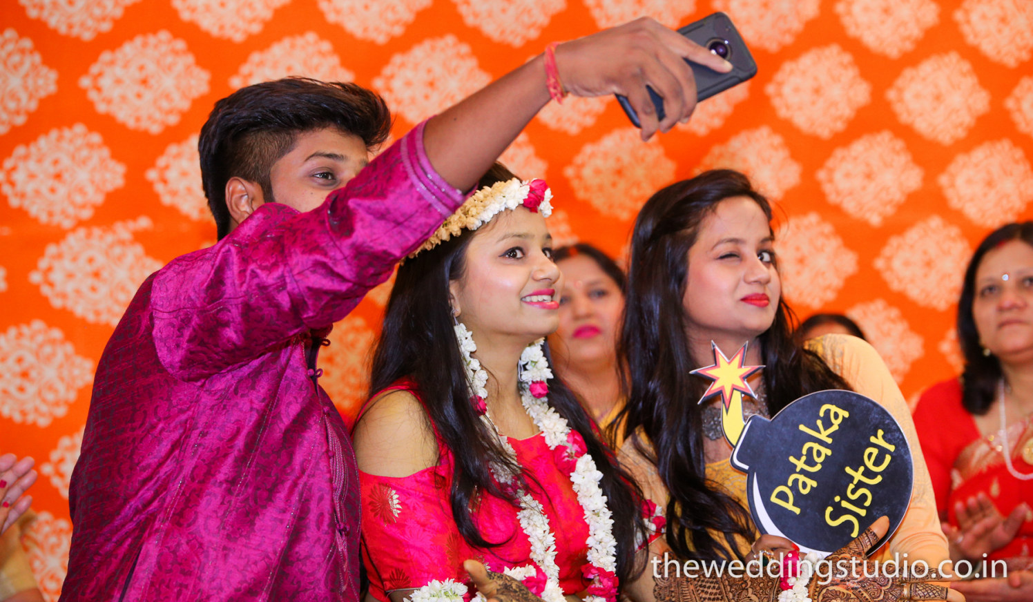 Cool sibling gang! by THE WEDDING STUDIO Wedding-photography | Weddings Photos & Ideas