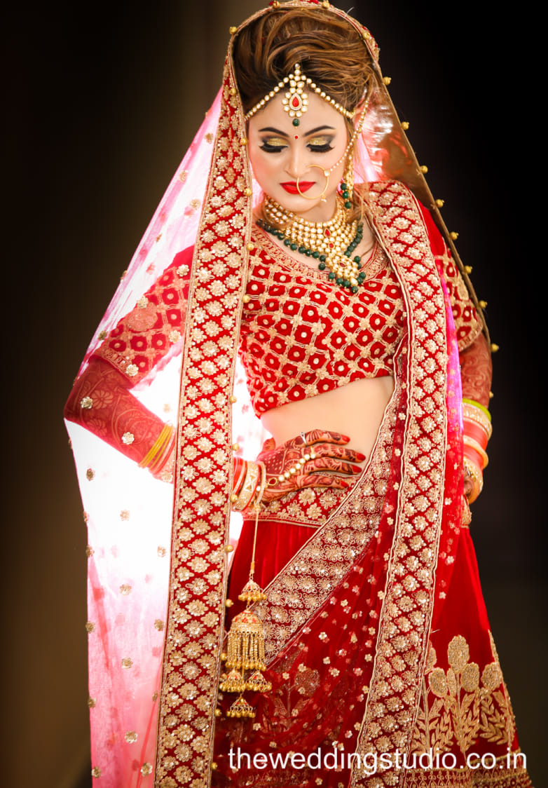 Absolute Stunner by THE WEDDING STUDIO Wedding-photography Bridal-makeup Bridal-jewellery-and-accessories | Weddings Photos & Ideas