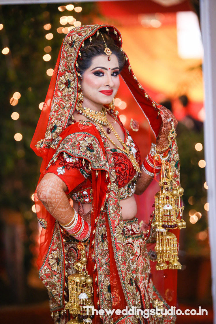 Chic and classy by THE WEDDING STUDIO Wedding-photography Bridal-jewellery-and-accessories Bridal-makeup | Weddings Photos & Ideas