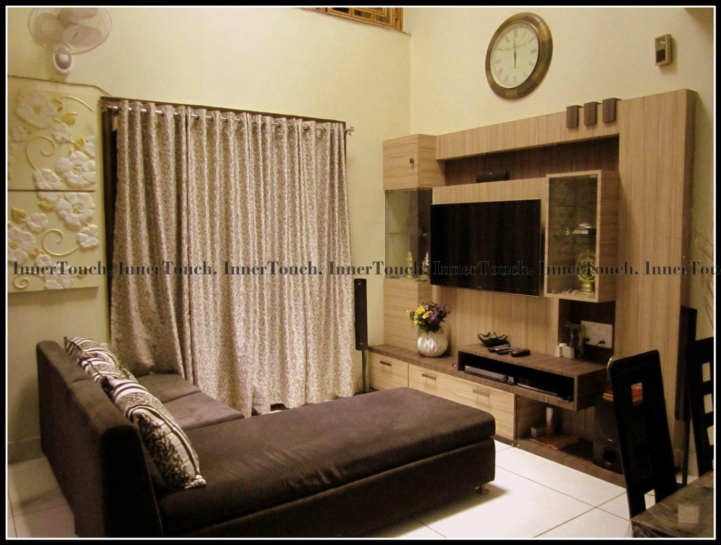 The Compact Show by Jhumur Ghosh Chaki Modern | Interior Design Photos & Ideas