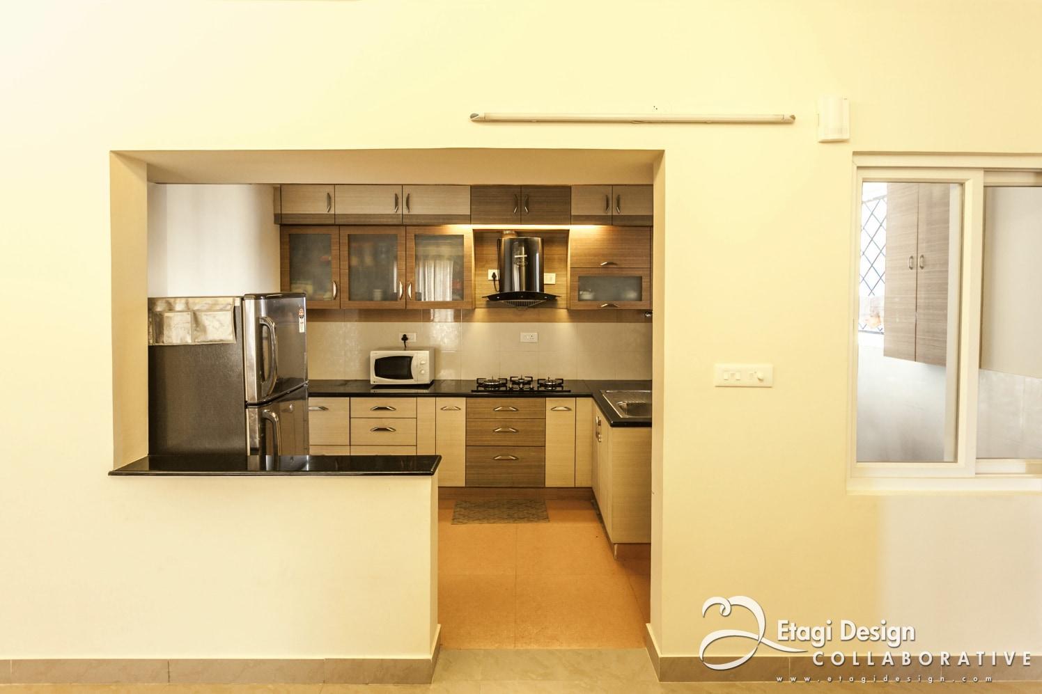 Kitchen With Cream Shade Walls by Prashanth Nandiprasad Modular-kitchen Modern | Interior Design Photos & Ideas