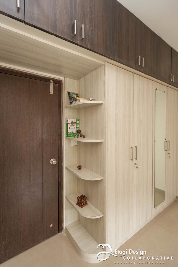Contemporary closets by Prashanth Nandiprasad Modern | Interior Design Photos & Ideas