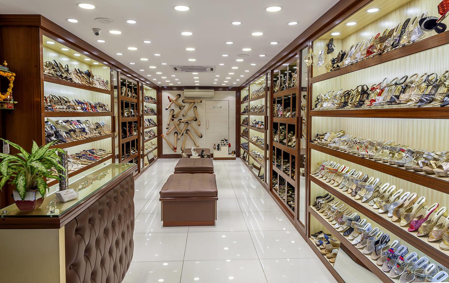 Retro style retail store by Diya Kochhar