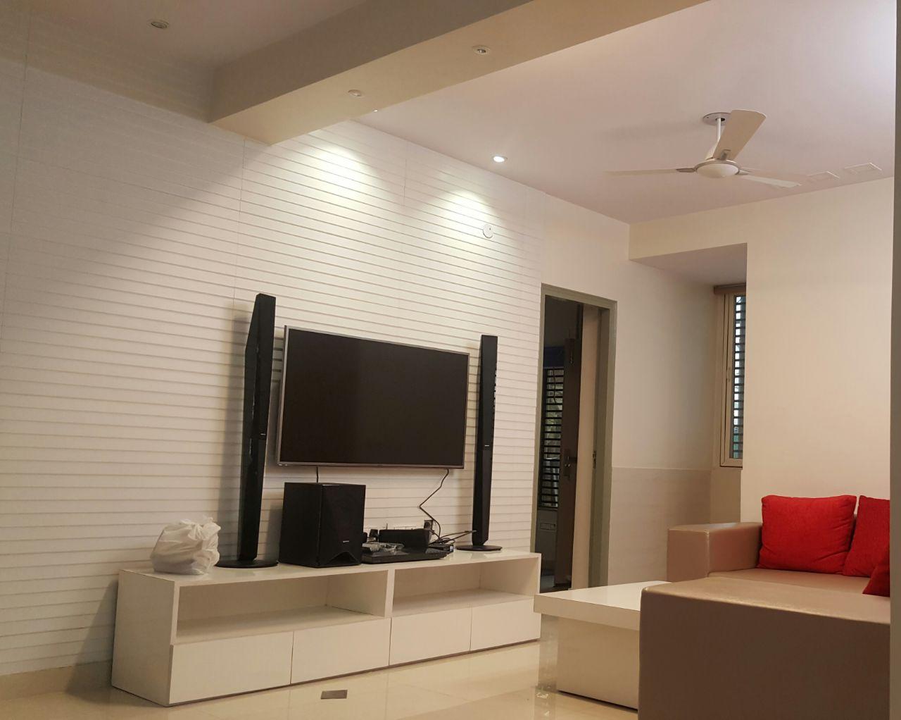 Black on White by Alka Singh Modern | Interior Design Photos & Ideas