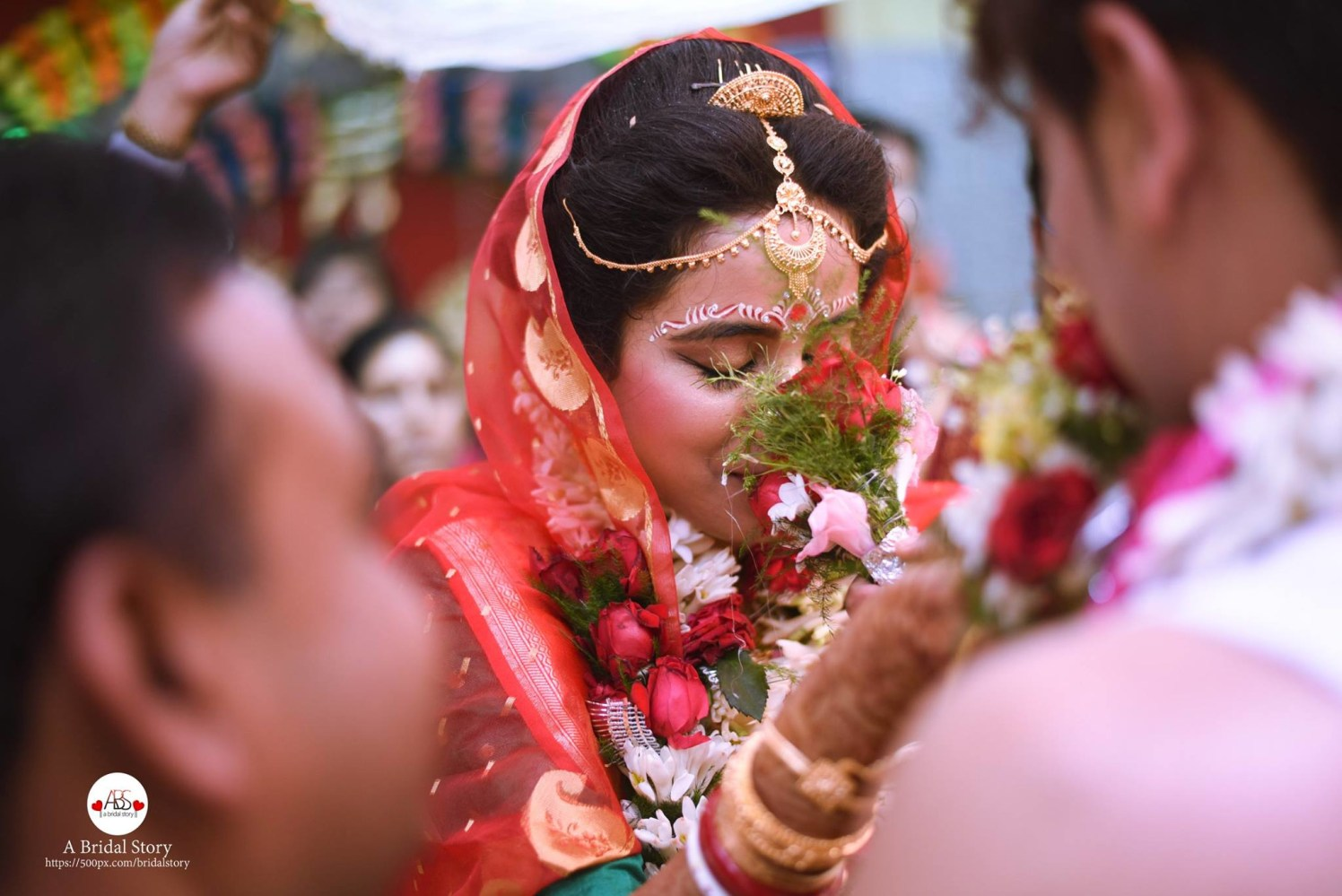 Blooming gesture by A Bridal Story Wedding-photography | Weddings Photos & Ideas
