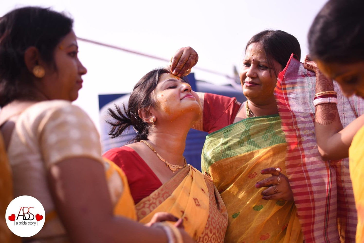 Lively gape by A Bridal Story Wedding-photography | Weddings Photos & Ideas