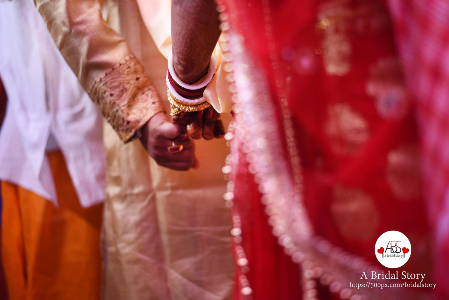 Connubial hold by A Bridal Story Wedding-photography | Weddings Photos & Ideas
