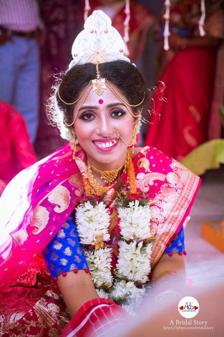 Graceful bengali jane by A Bridal Story Wedding-photography | Weddings Photos & Ideas