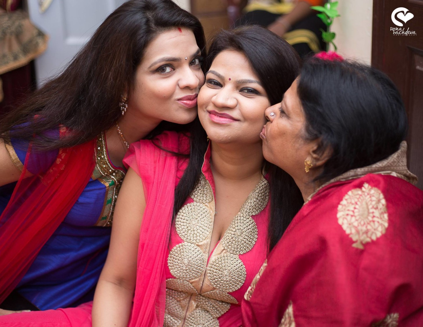 Lovely ladies by Sona Sachdeva Photography Wedding-photography | Weddings Photos & Ideas