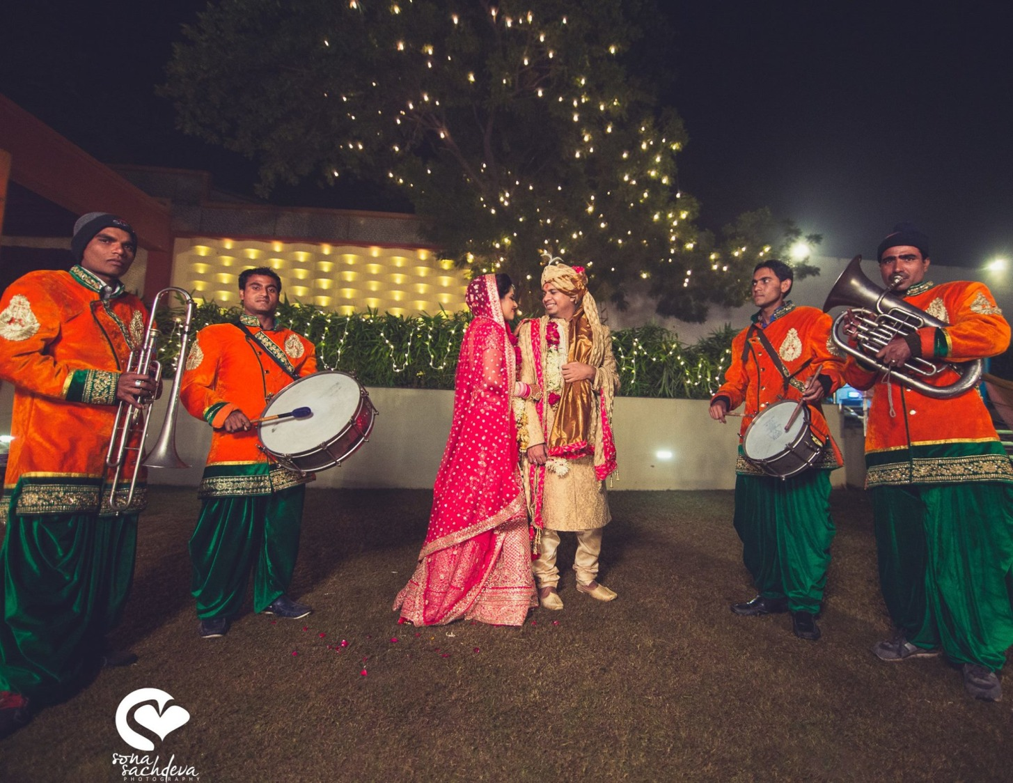 Exquisite couple by Sona Sachdeva Photography Wedding-photography | Weddings Photos & Ideas