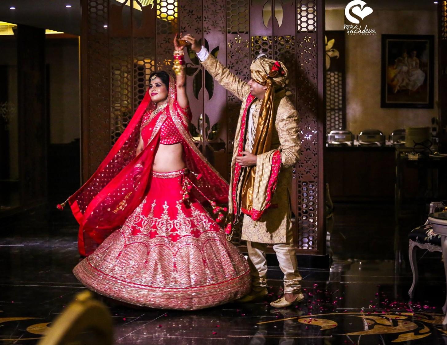 Extravagant swirling shot by Sona Sachdeva Photography Wedding-photography | Weddings Photos & Ideas