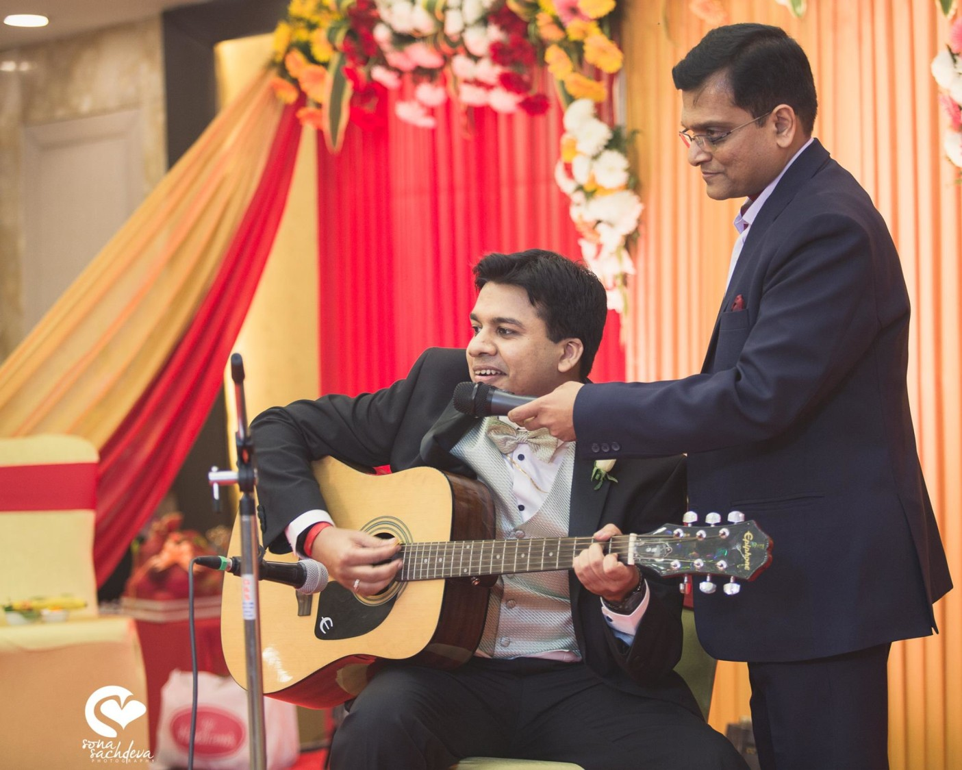 Adding fun to the event by Sona Sachdeva Photography Wedding-photography | Weddings Photos & Ideas