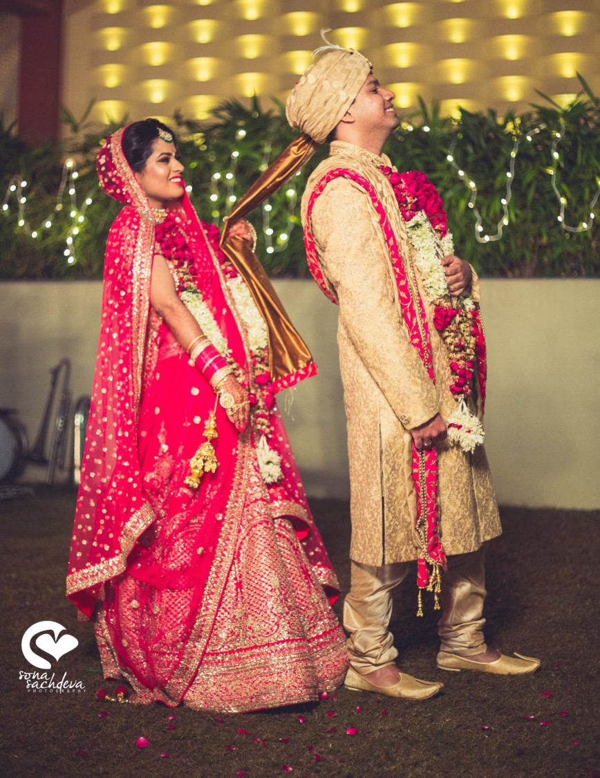 Quirky posers by Sona Sachdeva Photography Wedding-photography | Weddings Photos & Ideas