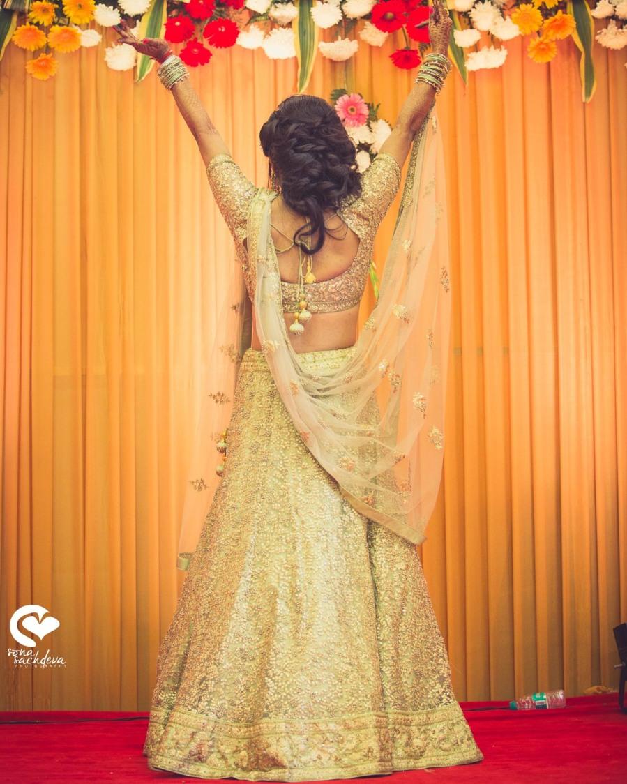 Gilded graceful gleam by Sona Sachdeva Photography Wedding-photography   Weddings Photos & Ideas