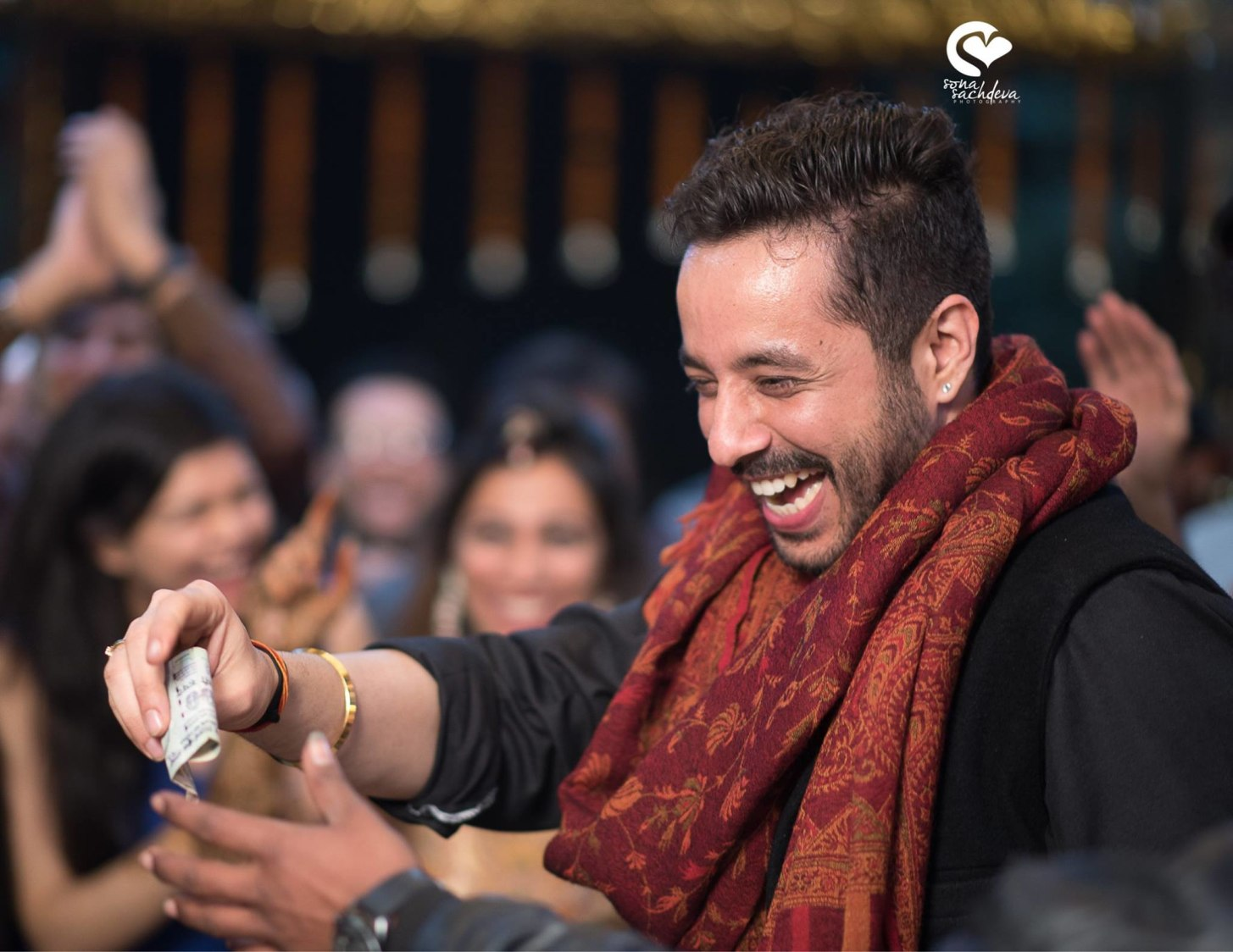 Joyful suitor by Sona Sachdeva Photography Wedding-photography | Weddings Photos & Ideas