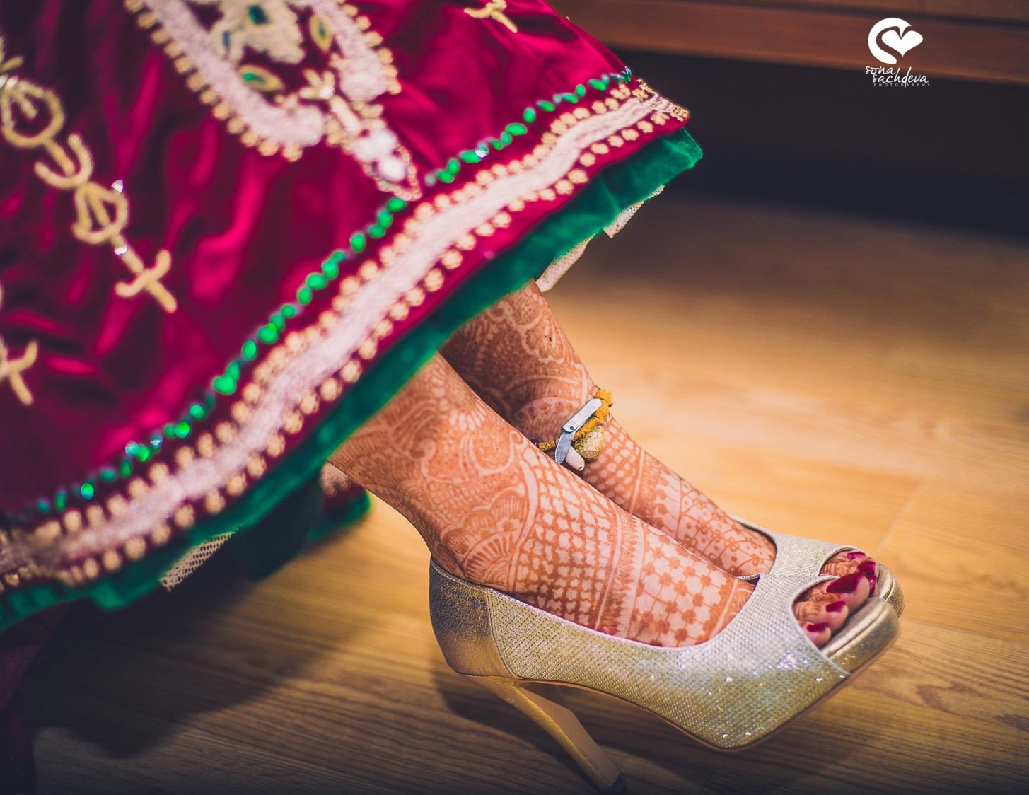 Flaunting gilded grandeur by Sona Sachdeva Photography Wedding-photography | Weddings Photos & Ideas
