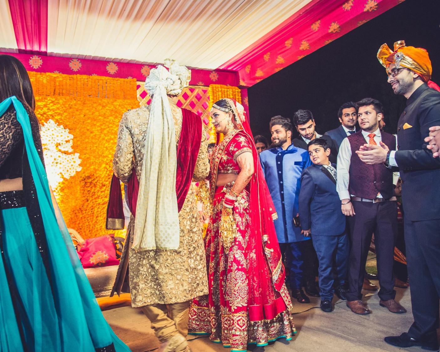 Burnishing red by Sona Sachdeva Photography Wedding-photography   Weddings Photos & Ideas