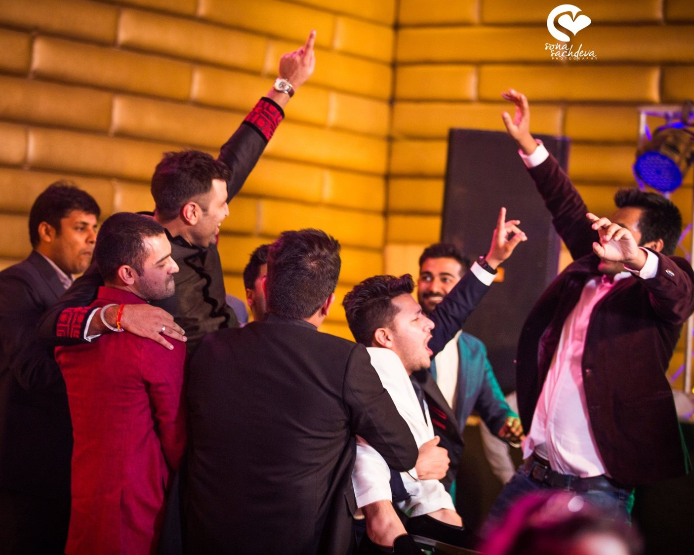 Overjoyed wedding guests by Sona Sachdeva Photography Wedding-photography | Weddings Photos & Ideas