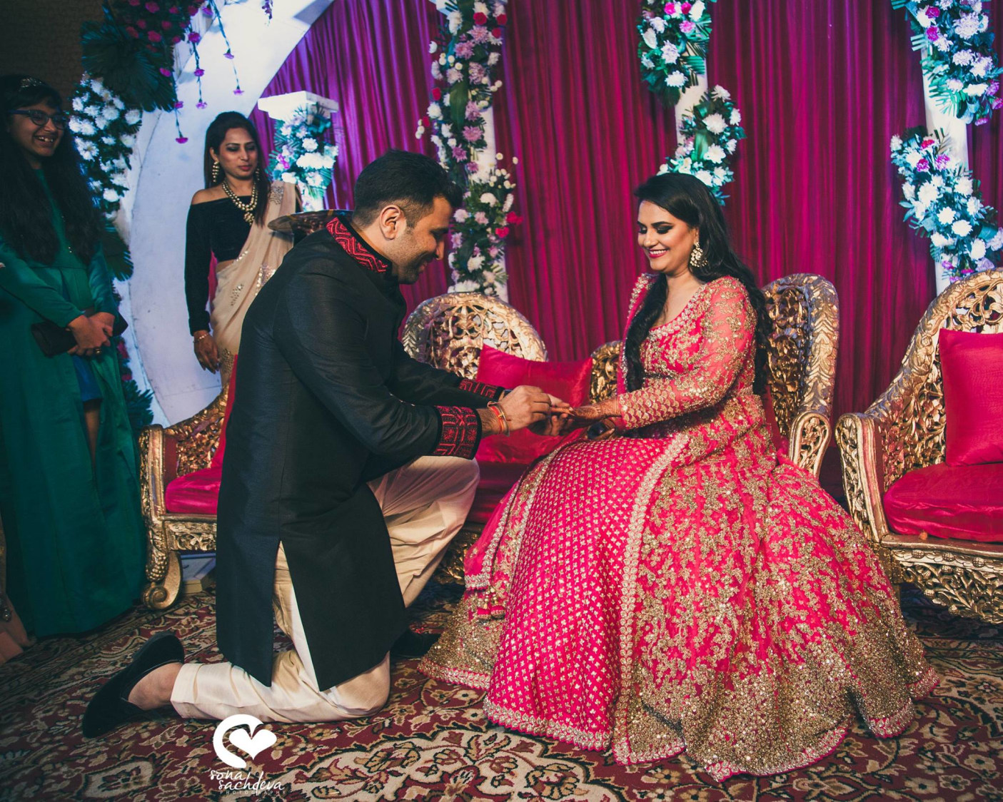 Head over heels for her by Sona Sachdeva Photography Wedding-photography | Weddings Photos & Ideas