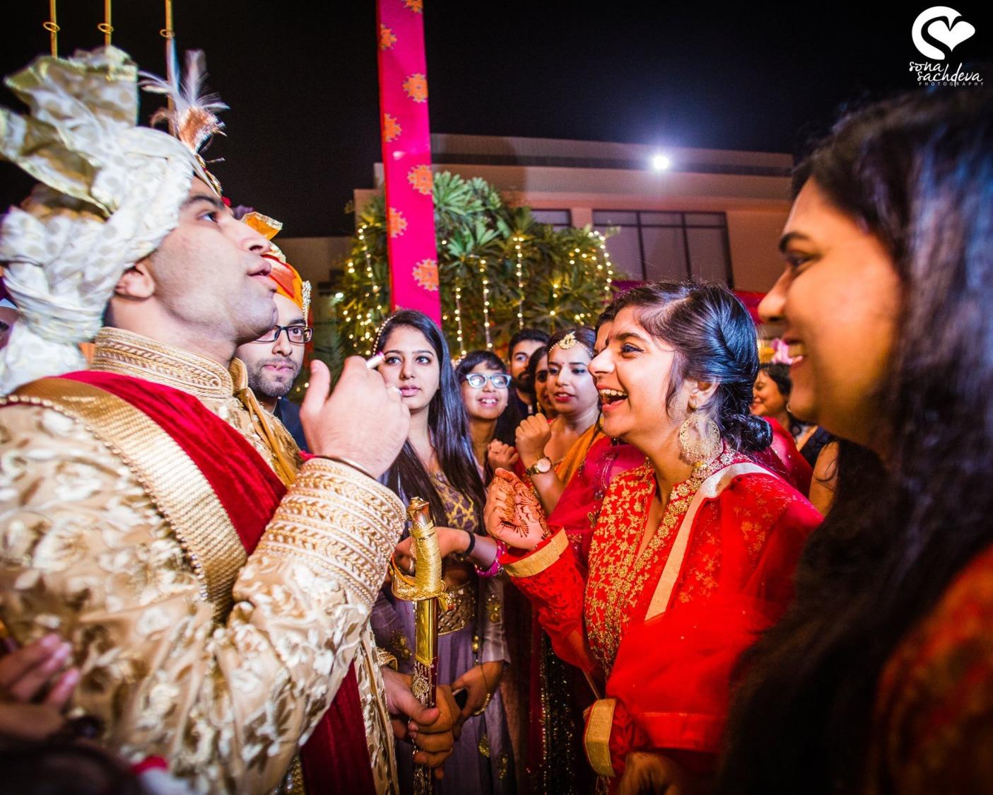 Perky traditions by Sona Sachdeva Photography Wedding-photography   Weddings Photos & Ideas