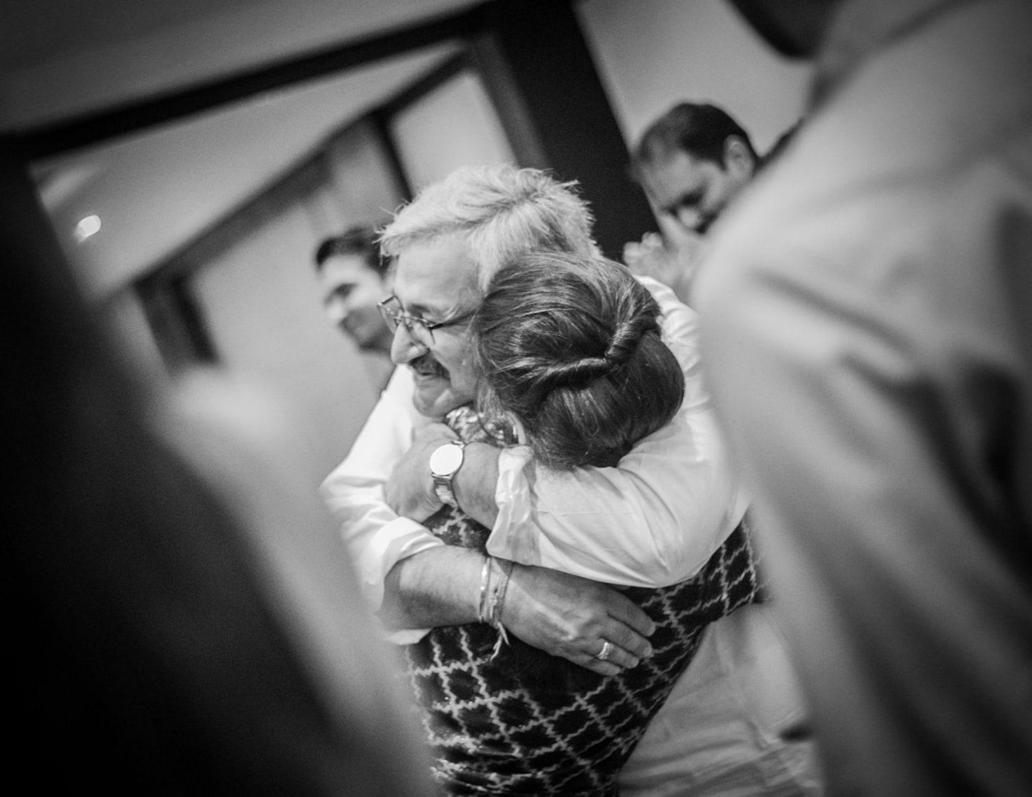 Warm love embrace by Sona Sachdeva Photography Wedding-photography | Weddings Photos & Ideas