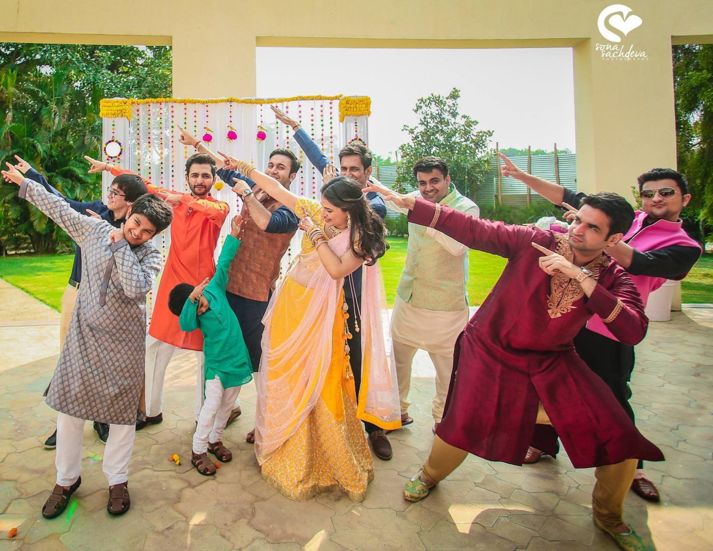 Dabbing their way out by Sona Sachdeva Photography Wedding-photography | Weddings Photos & Ideas