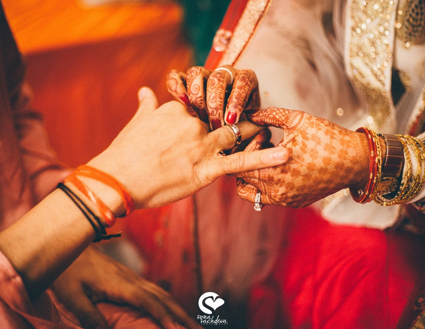 Little handcuffs of love by Sona Sachdeva Photography Wedding-photography | Weddings Photos & Ideas