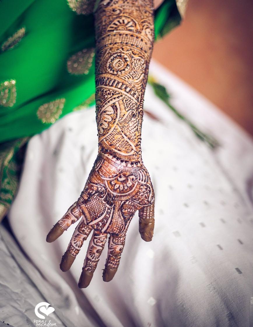 Lovely henna shot by Sona Sachdeva Photography Wedding-photography | Weddings Photos & Ideas