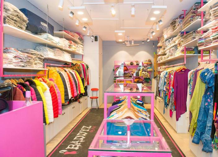 Retail Outlet Design Ideas And Photos Urbanclap
