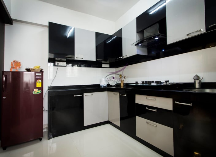 Black And White Themed Modular Kitchen