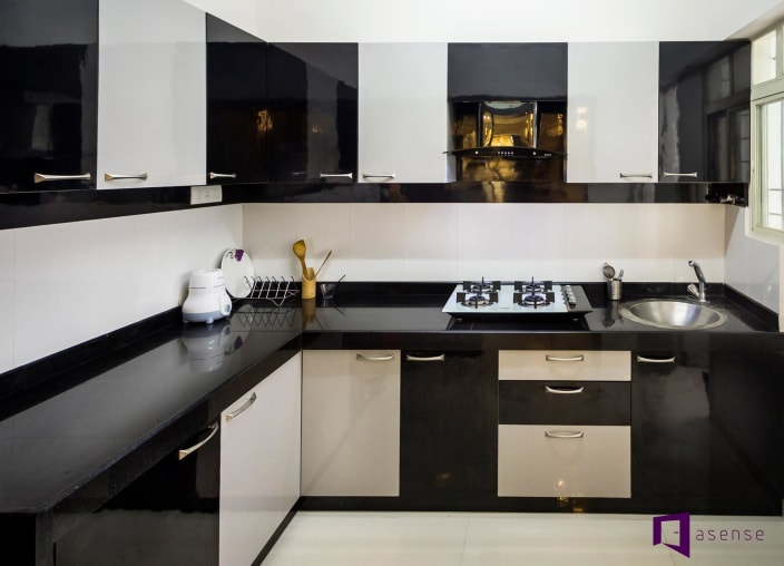 4 Brilliant Kitchen Remodel Ideas: Black And White Themed Modular Kitchen By Snigdha Ghosh