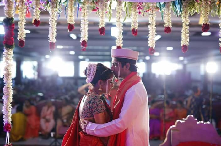 Marathi Couple Candid Shot By Vithal Chavda