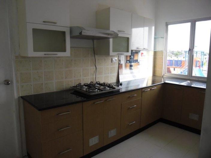 modern l shaped kitchen design with window kitchen design rh kitchendesignandcornercaninet blogspot com