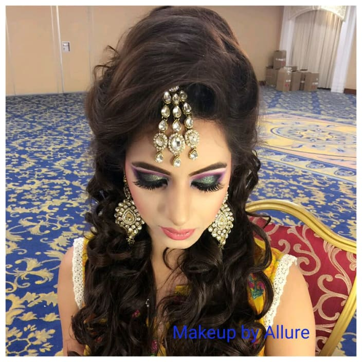 Engagement Makeup Ideas For Dulhans