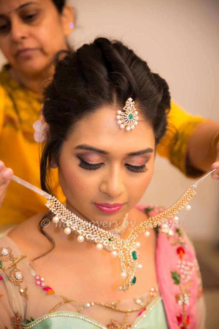 Engagement Makeup Ideas For Dulhans